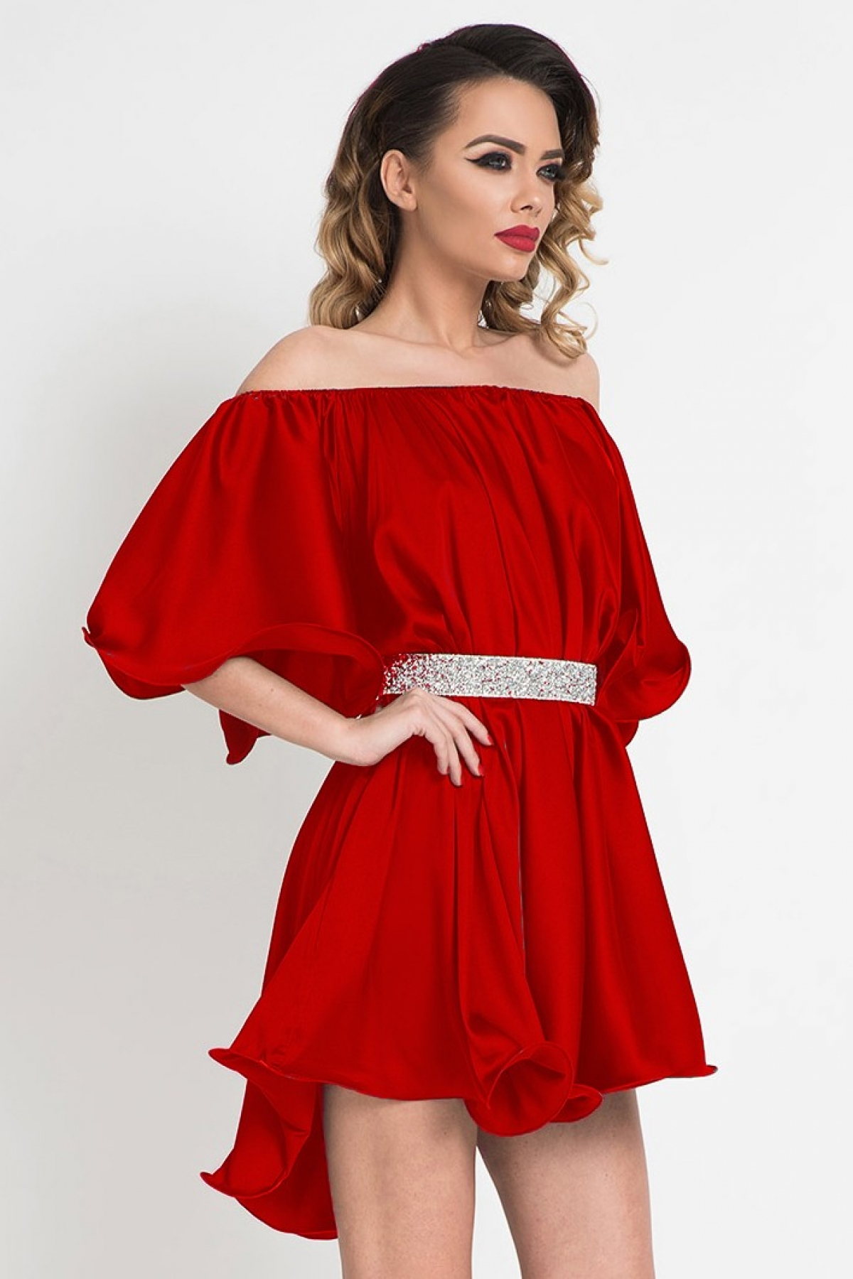Rochie de lux scurta rosie cu umeri goi