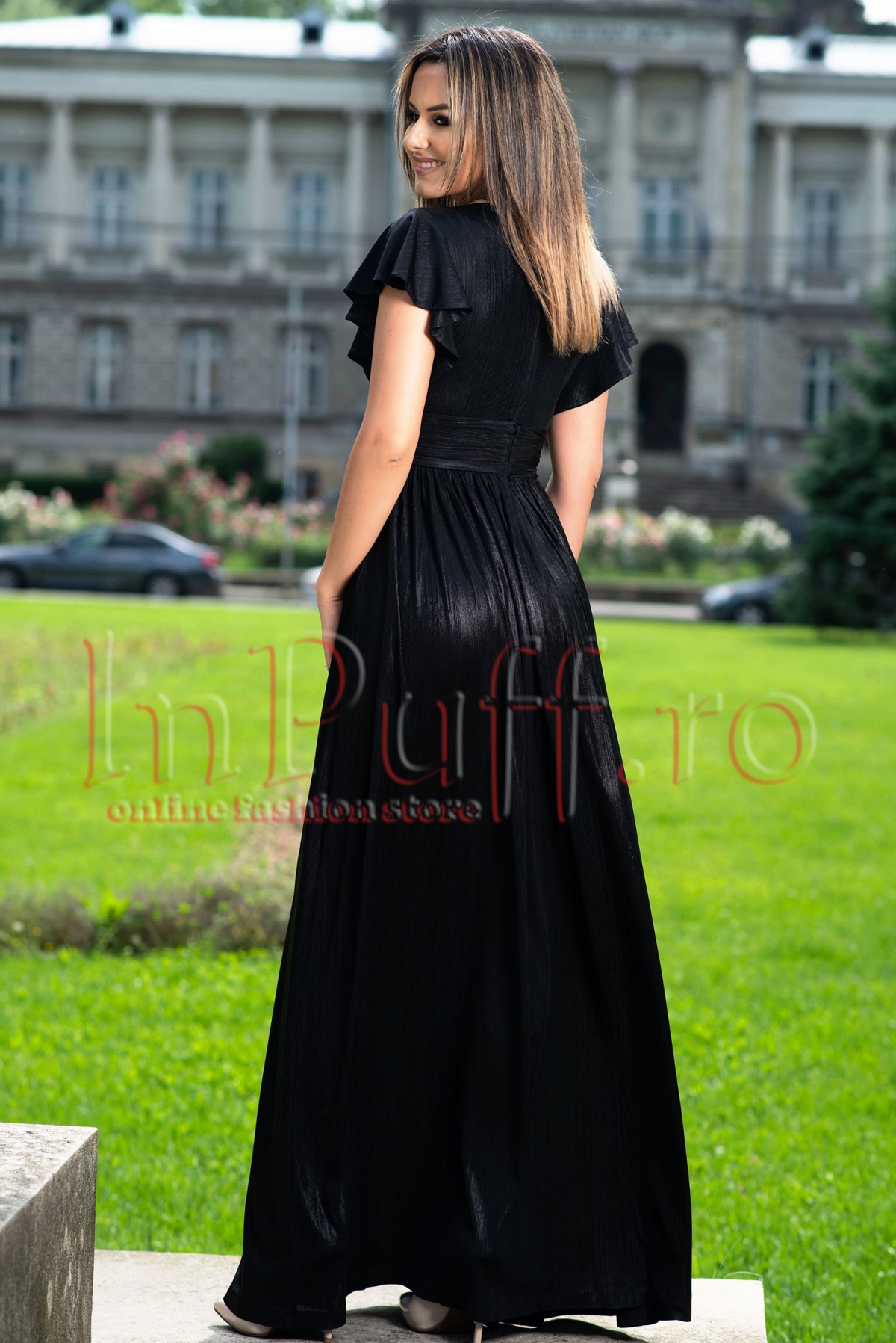 Rochie de seara neagra lunga cu decolteu petrecut