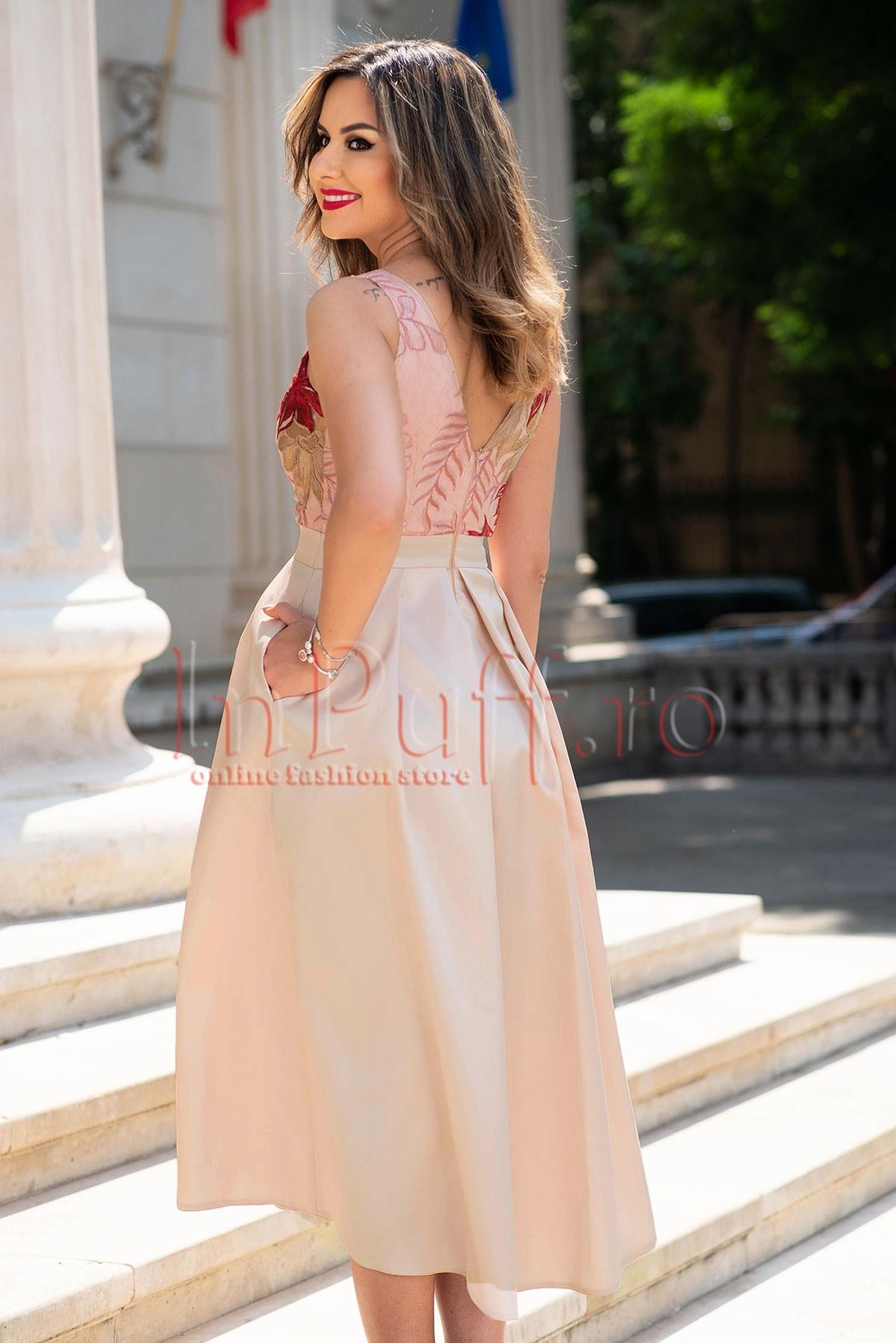 Rochie de seara roz pal plisata cu broderie florala