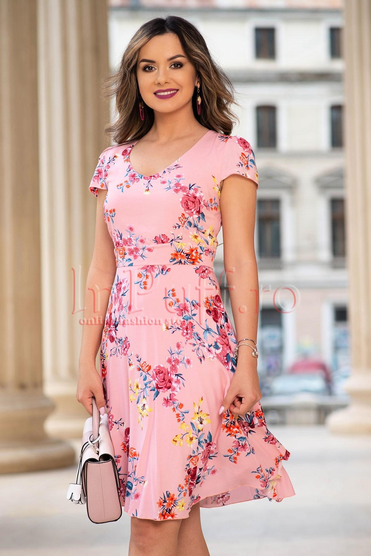 Rochie eleganta rose cu imprimeu floral deosebit