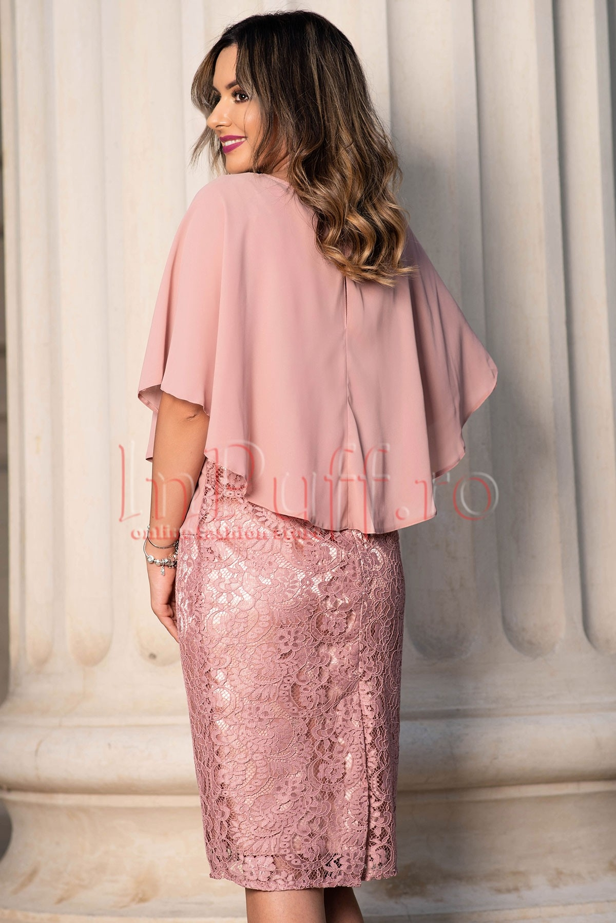 Rochie de ocazie roz prafuit din broderie si voal