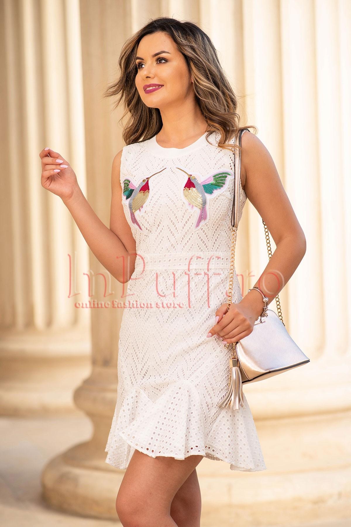 Rochie de zi alba din bumbac cu aplicatii din paiete thumbnail