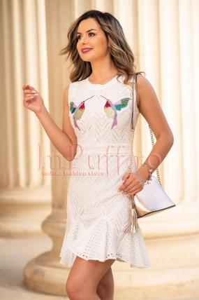 Rochie de zi alba din bumbac cu aplicatii din paiete