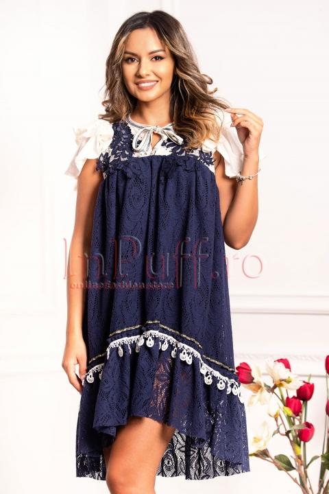 Rochie de zi din broderie bleumarin cu volane