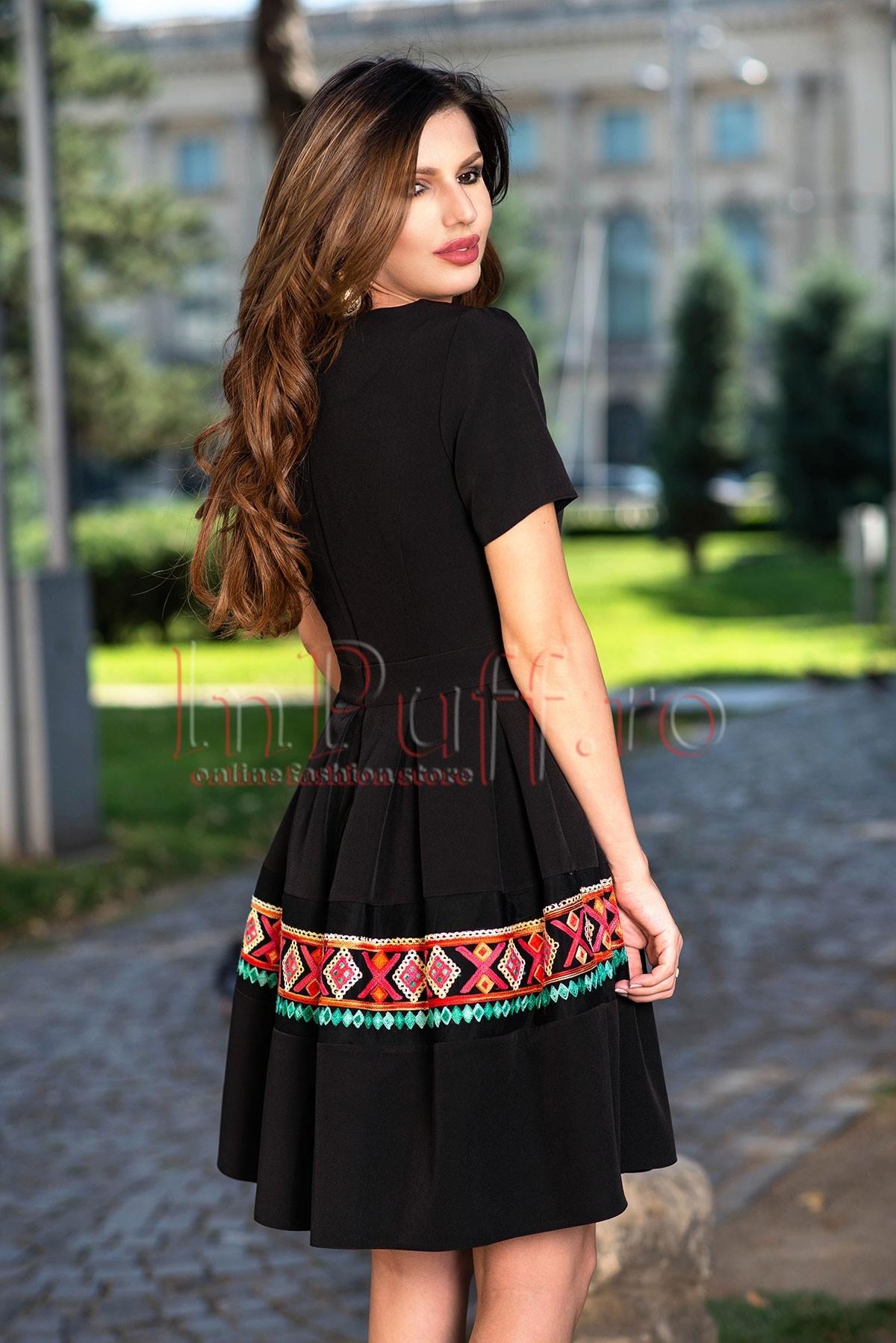 Rochie eleganta neagra cu broderie florala aplicata si guler