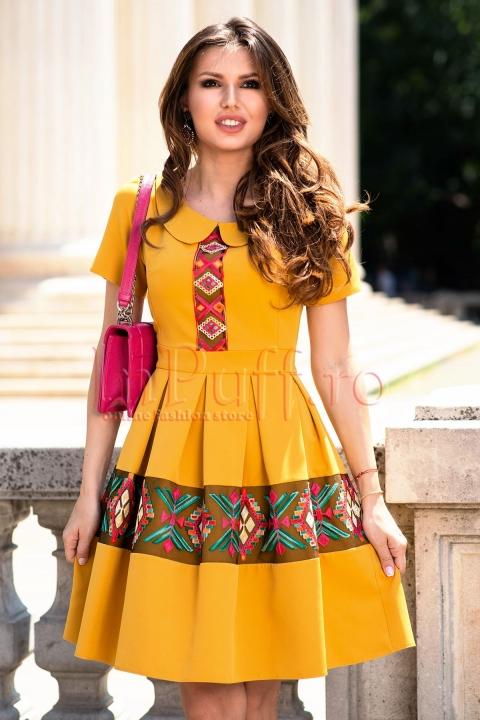 Rochie eleganta de zi galben mustar cu broderie aplicata si guler