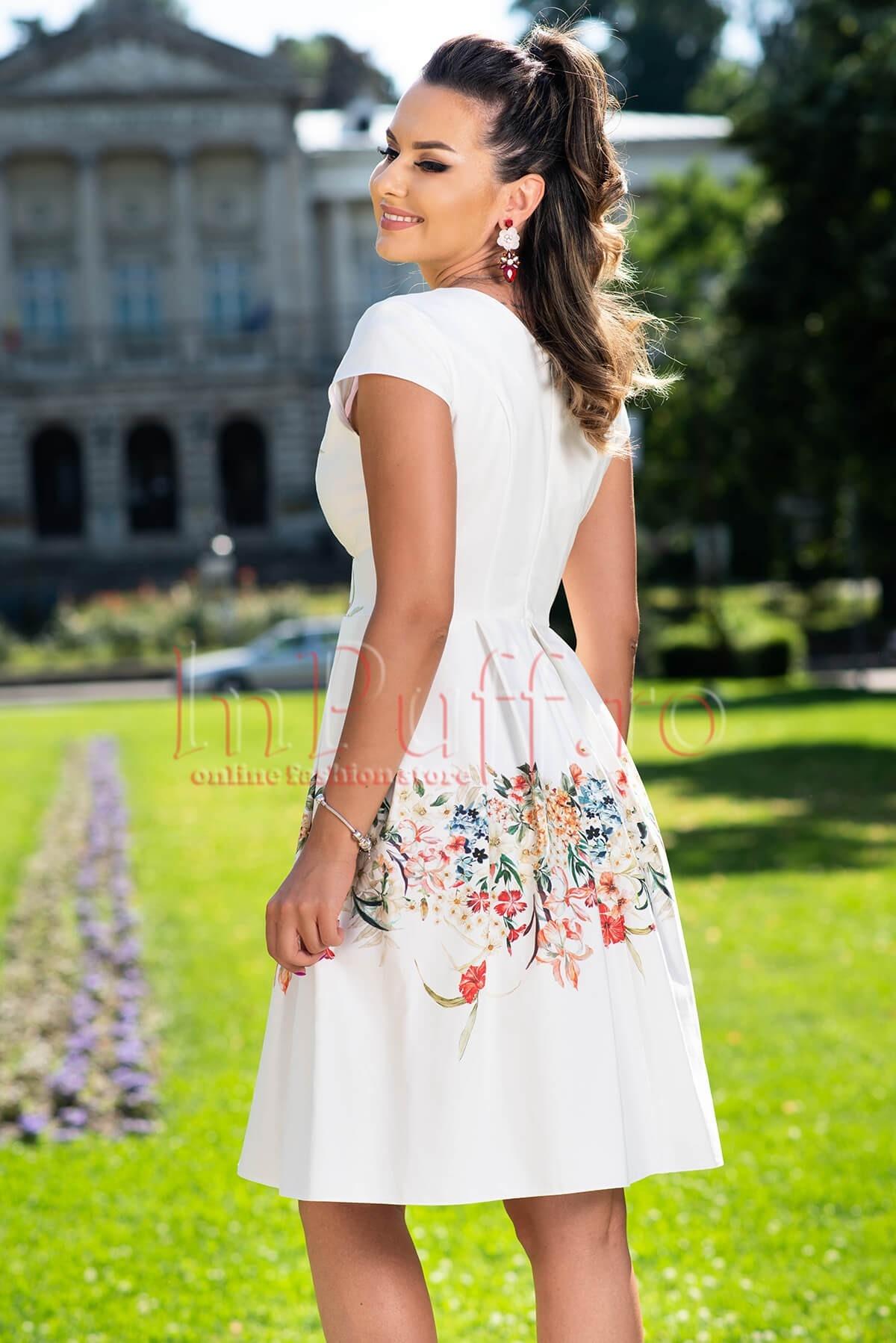 Rochie eleganta alba cu imprimeu floral si decolteu petrecut