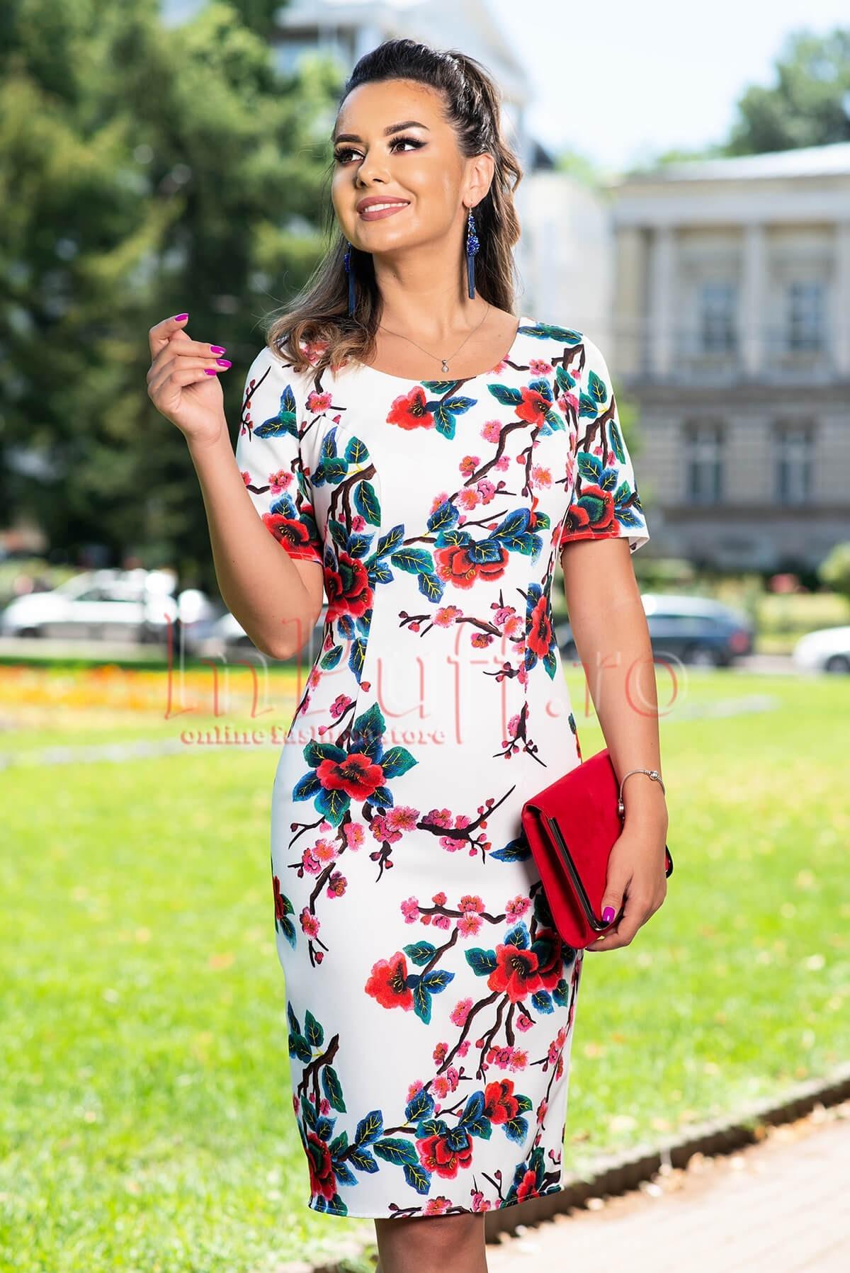 Rochie eleganta alba cu imprimeu floral