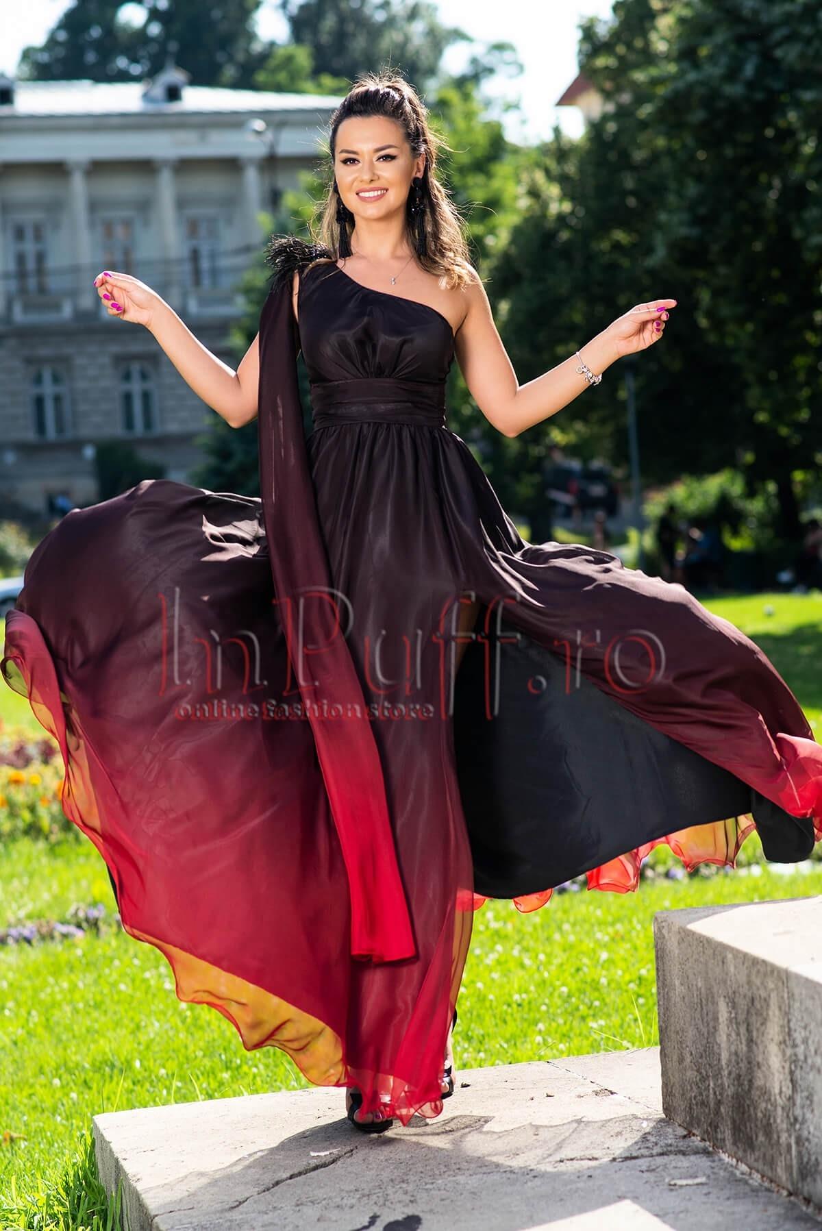 Rochie lunga de ocazie pe un umar