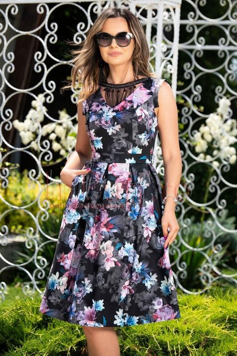 Rochie de seara neagra cu imprimeu floral si pliuri in talie
