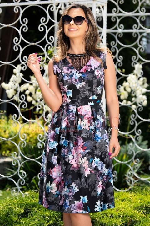 Rochie neagra cu imprimeu floral si pliuri in talie