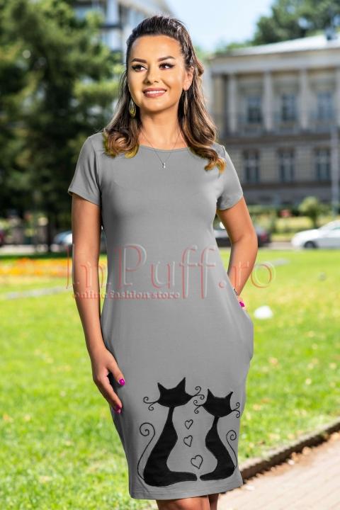 Rochie lejera din vascoza gri cu model cusut