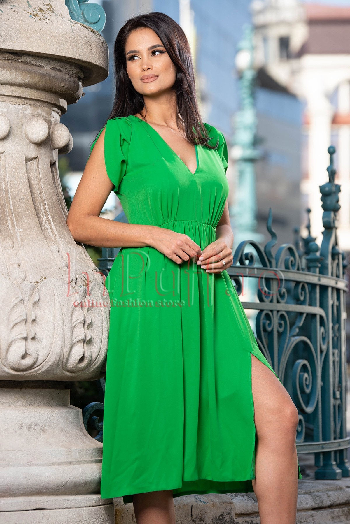 Rochie eleganta Moze verde din voal cu decolteu in V