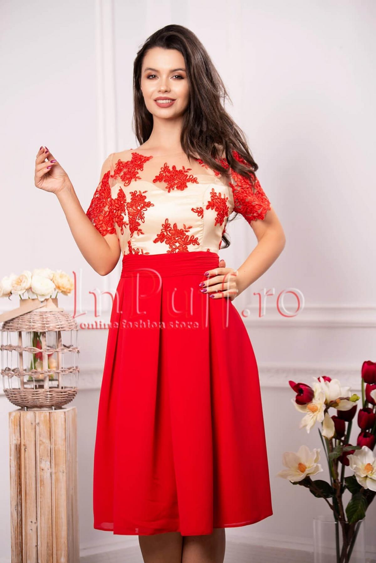 Rochie eleganta de seara rosie cu broderie florala si tul