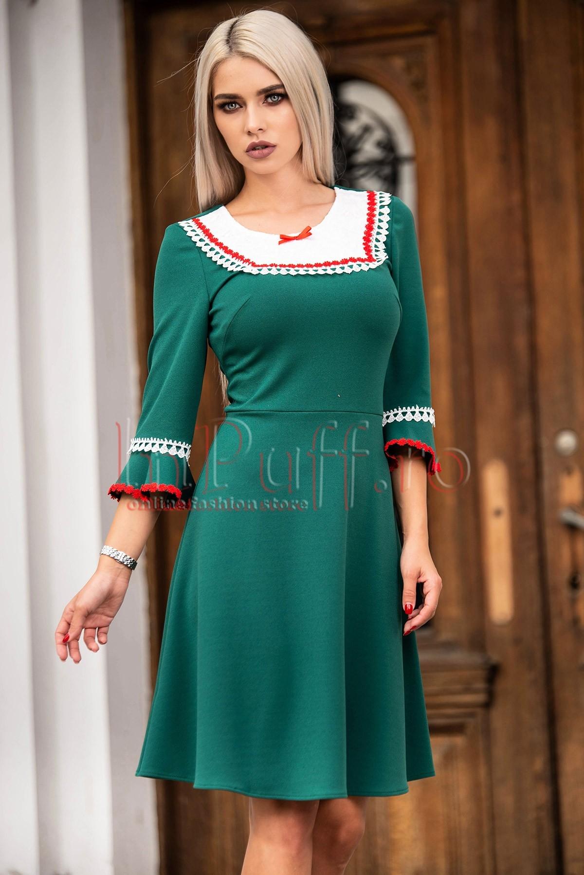 Rochie verde cu insertii deosebite