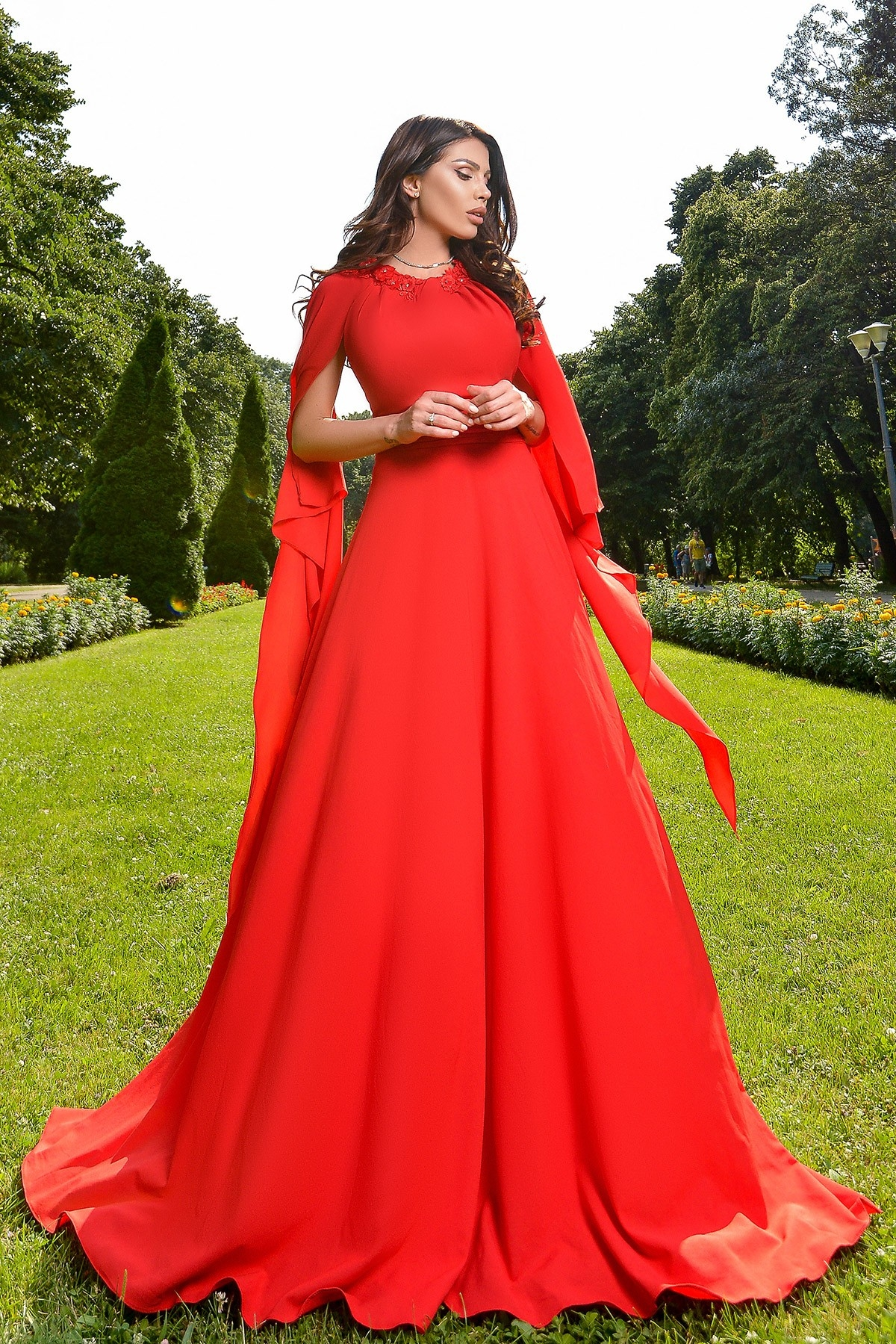 Rochie rosie lunga eleganta cu esarfe Atmosphere