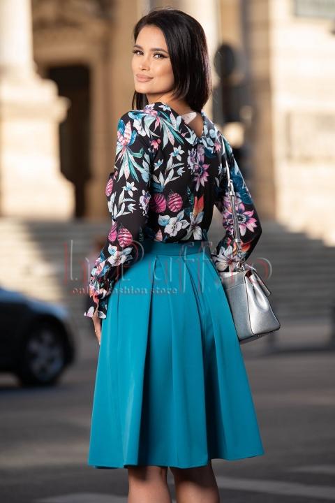 Fusta eleganta turquoise in clos cu buzunare