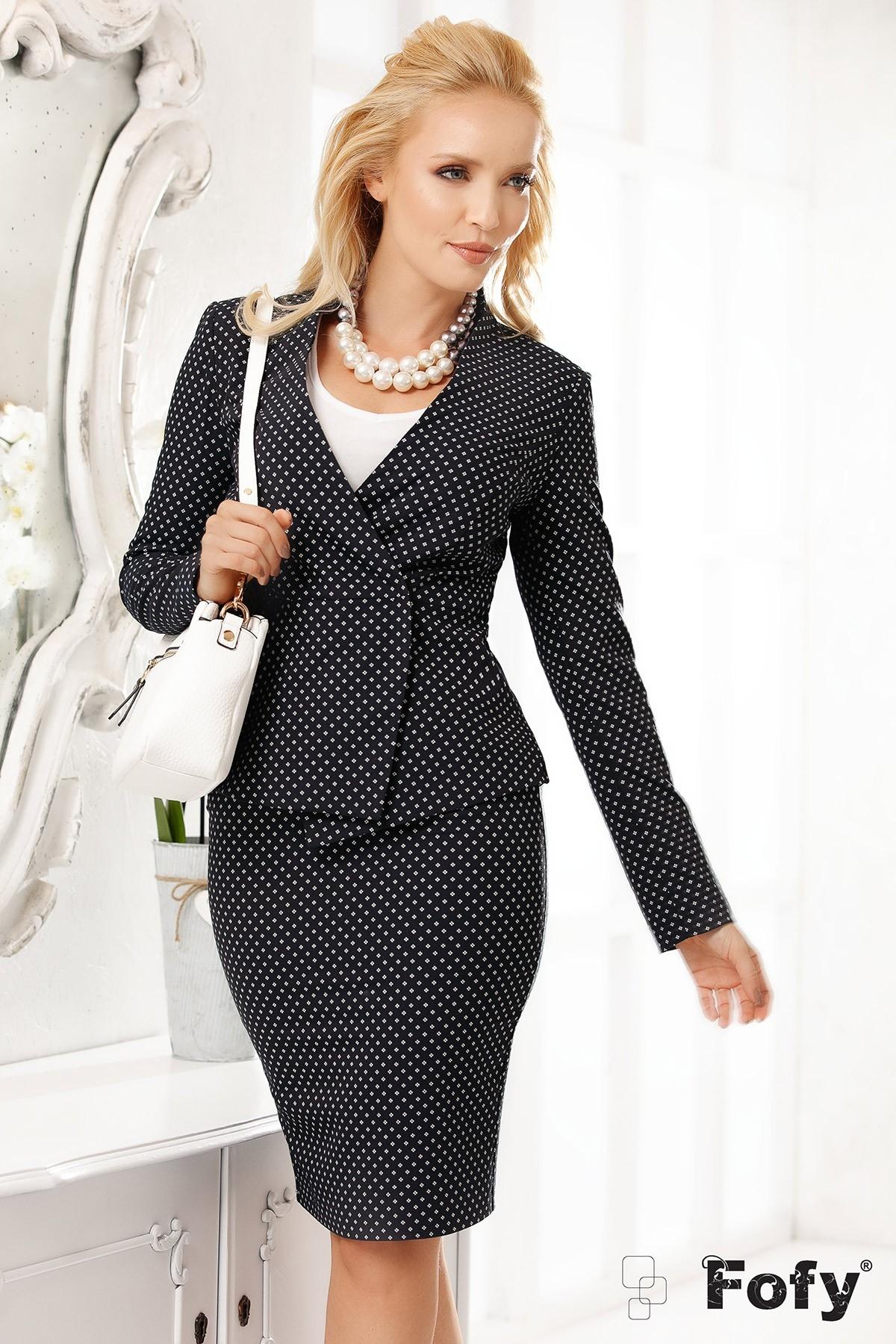 Compleuri elegante de dama in trenduri