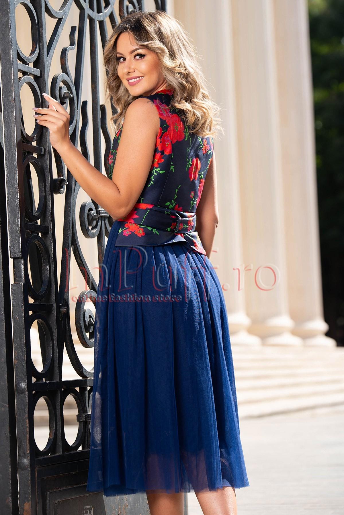 Rochie eleganta cu broderie florala