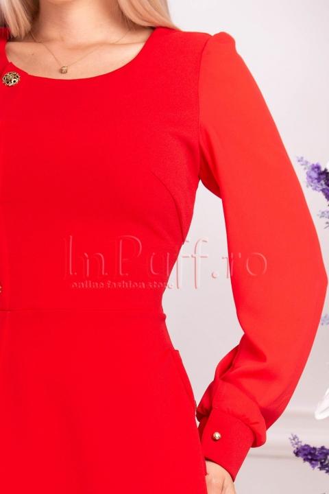 Rochie de zi rosie cu nasturi aurii