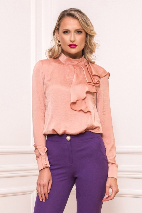 Bluza eleganta roz pudra cu volan pe umar