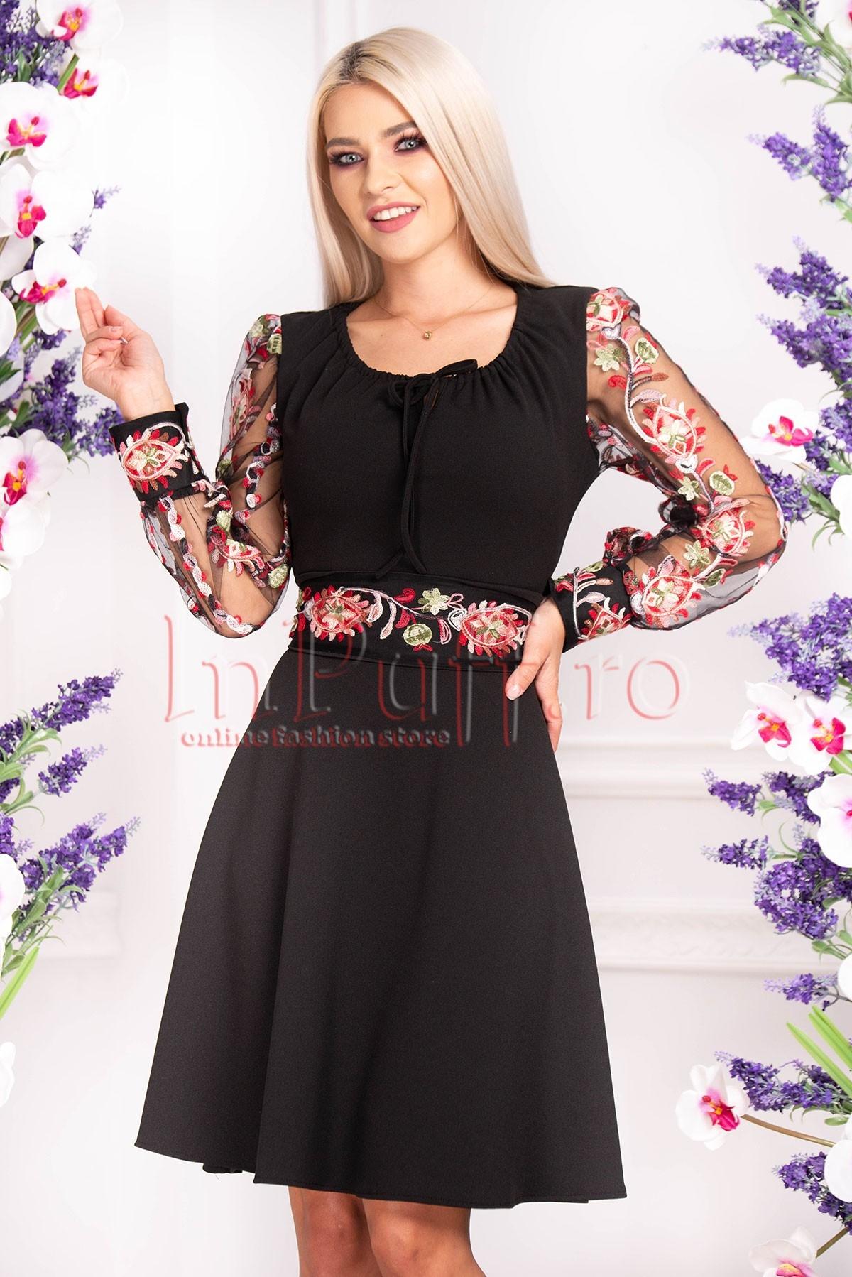 Rochie neagra cu broderie multicolora