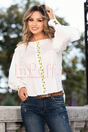 Bluza alba cu broderie florala