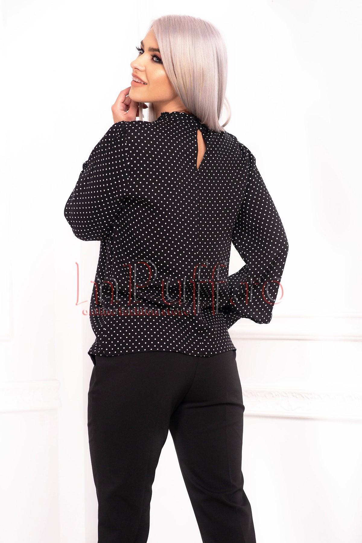Bluza eleganta neagra cu buline albe din vascoza si maneca lunga cu manseta