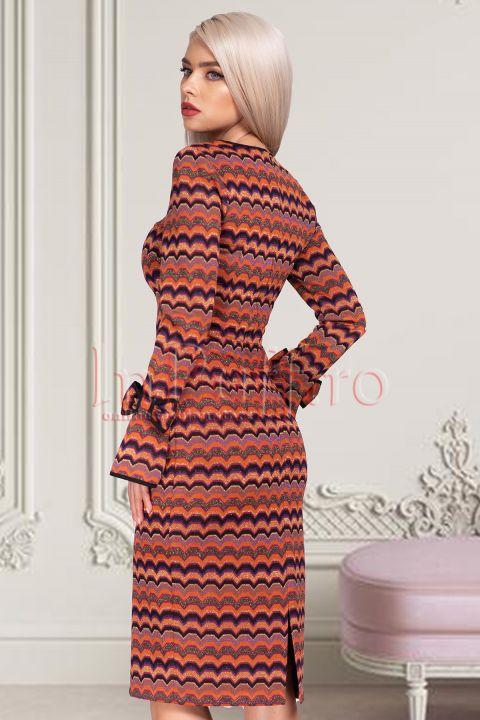 Rochie eleganta multicolora cu fir irizant auriu midi cambrata din vascoza cu maneca lunga tip clopot