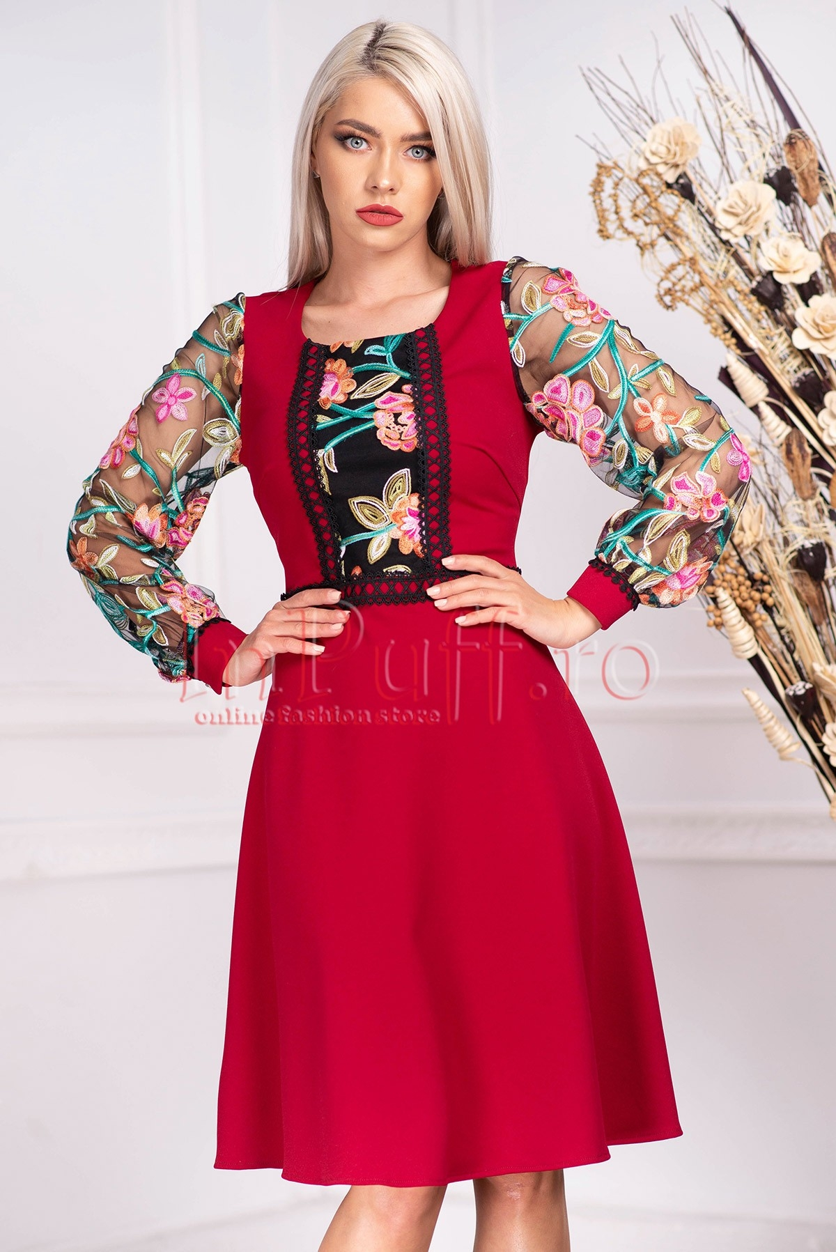 Rochie de seara midi cu maneca lunga din tul cu broderie florala multicolora