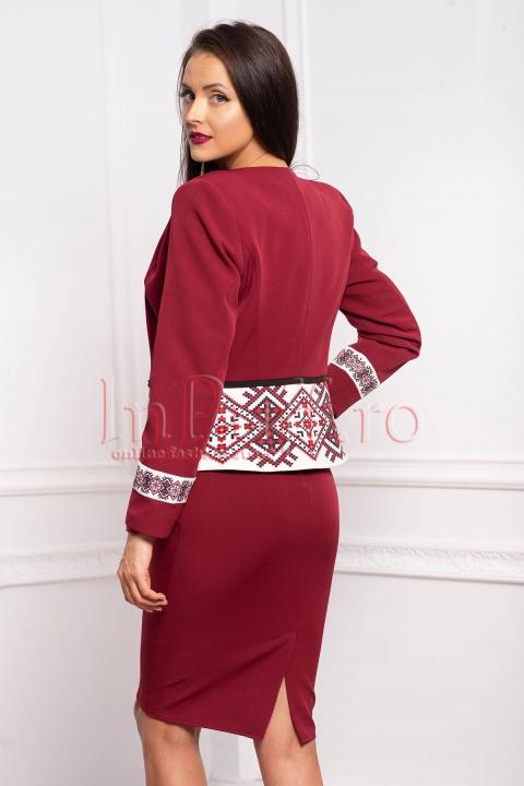 Compleu office rochie si sacou marsala din stofa cu imprimeu traditional