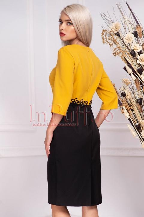 Rochie de zi office bicolora midi cambrata din stofa cu maneca trei sferturi