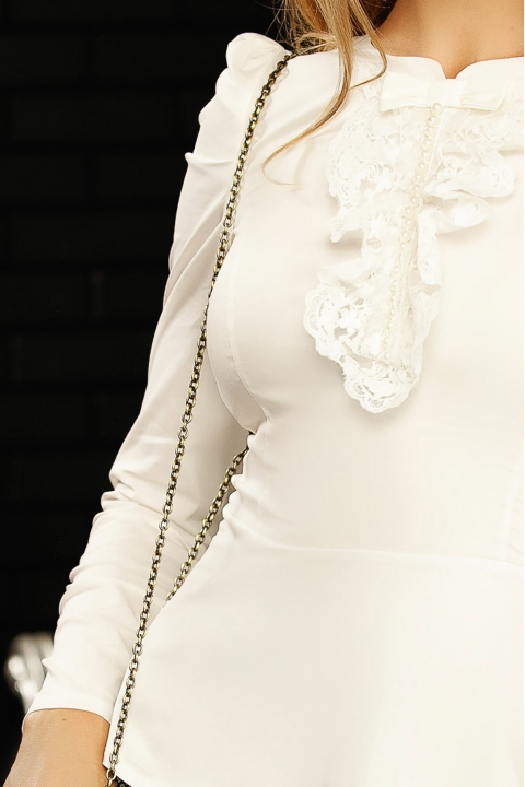 Bluza Fofy alba eleganta cu jabou din dantela si maneca lunga