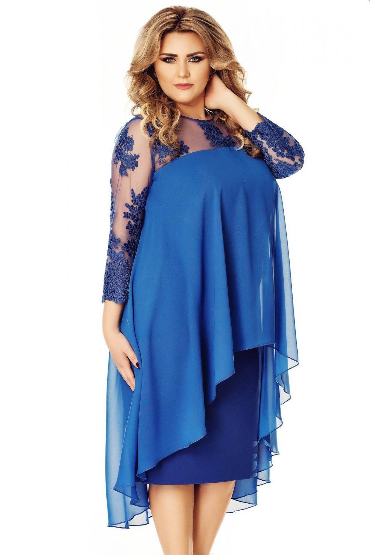 Rochie albastra de seara lejera cu voal asimetric si maneca din tul brodat