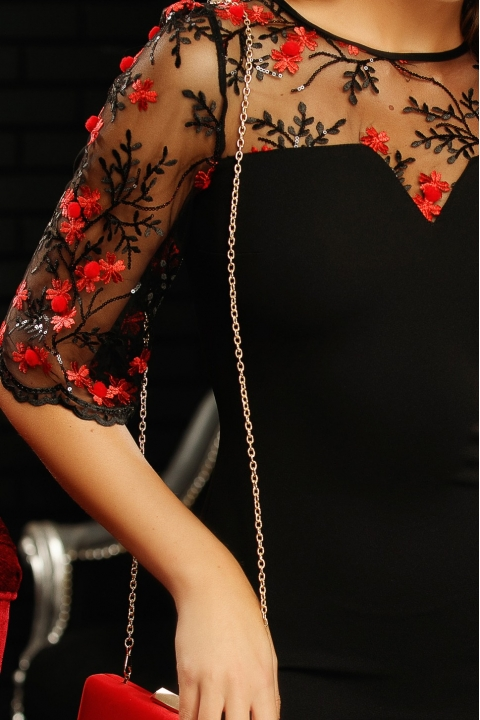 Rochie Fofy neagra cu broderie florala rosie de seara midi conica cu maneca trei sferturi