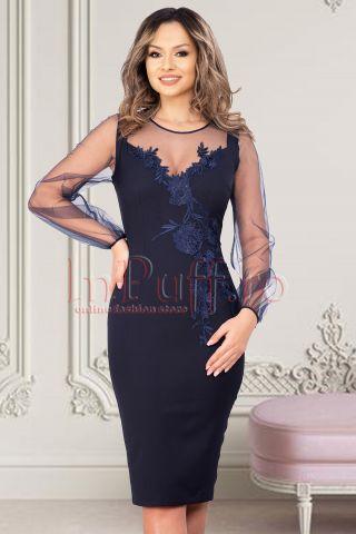 Rochie de seara MBG bleumarin cu maneci din tull si broderie florala pe o parte