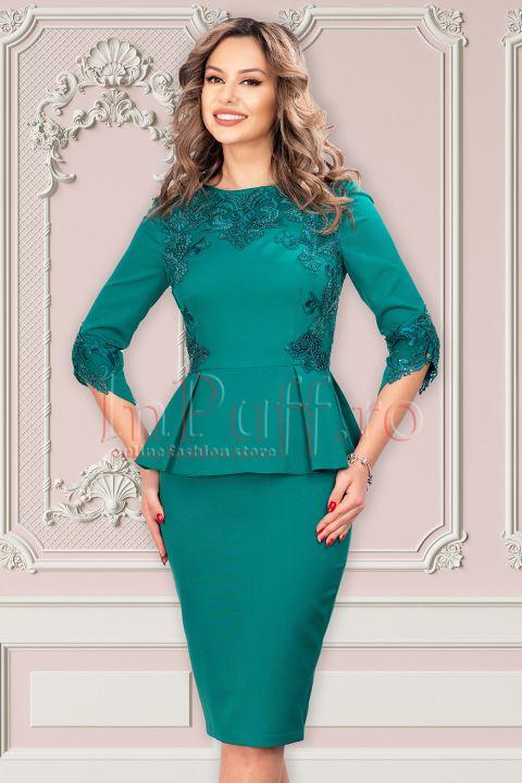Rochie MBG verde eleganta cu peplum si broderie
