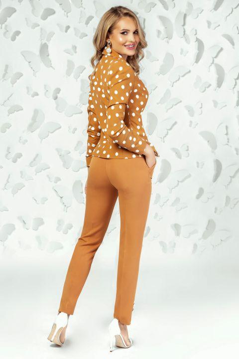 Pantaloni Pretty Girl office camel cu nasturi tip perla