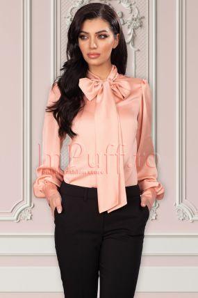 Camasa eleganta La Donna roz cu guler tip esarfa