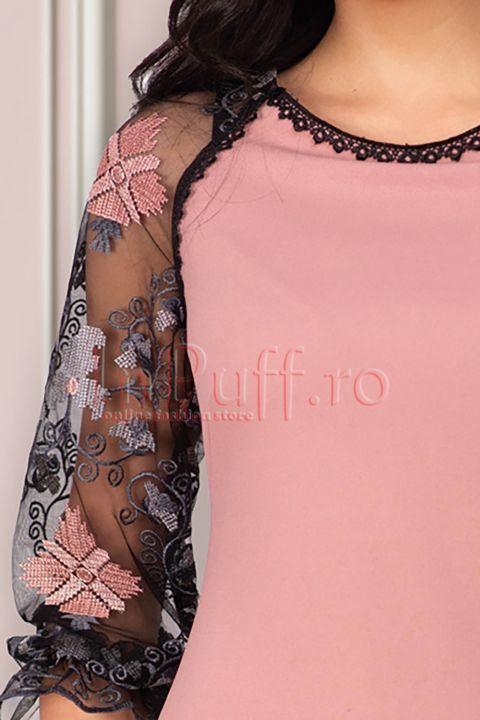 Rochie Per Donna roz prafuit cu maneci brodate