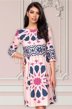 Rochie clos roz piersica cu imprimeu