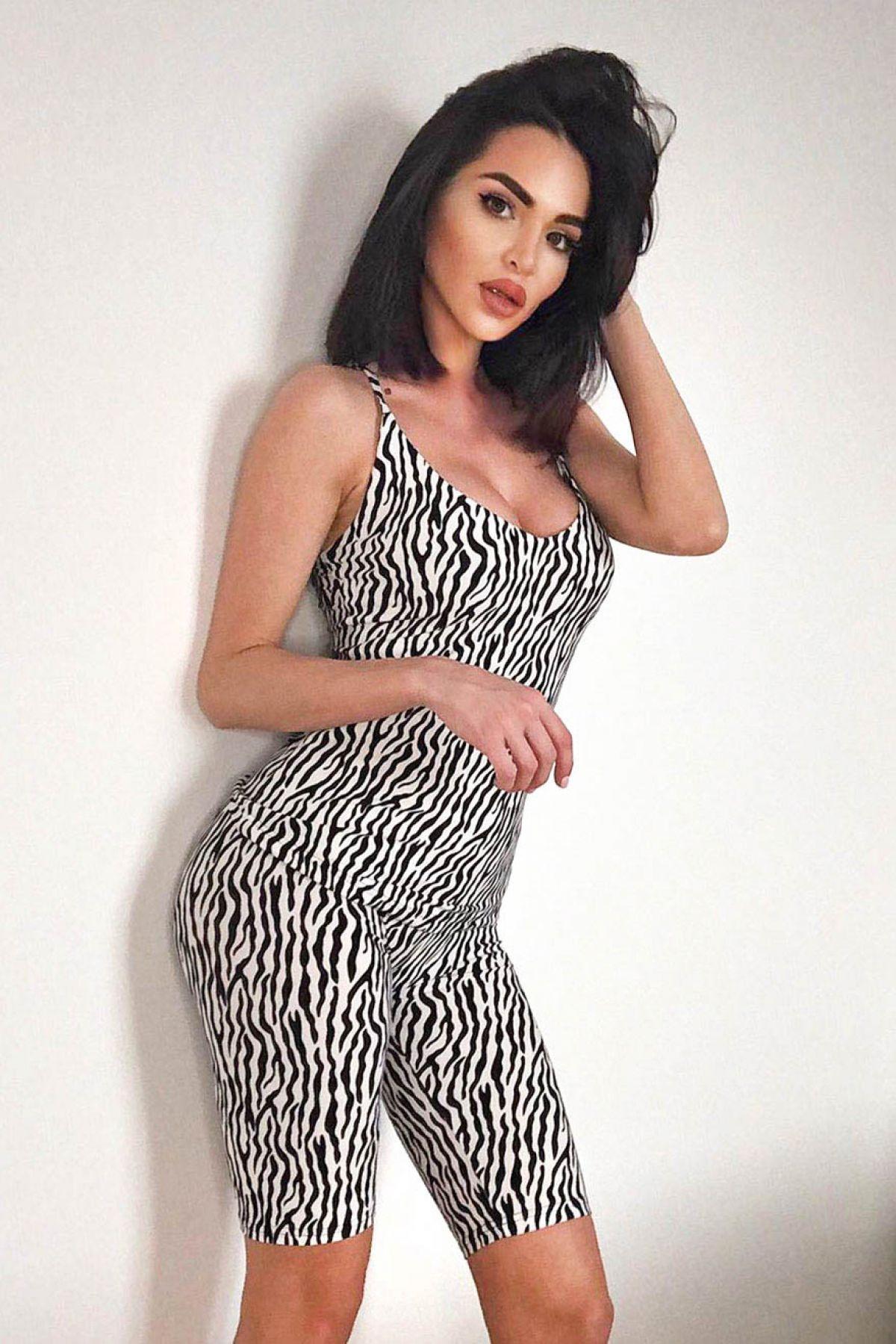 Pijama comoda din doua piese cu imprimeu zebra