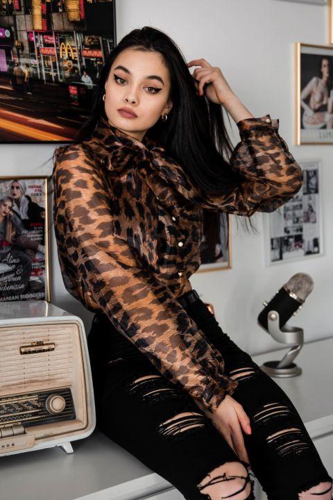 Camasa Fofy dama animal print din organza cu panglici la gat