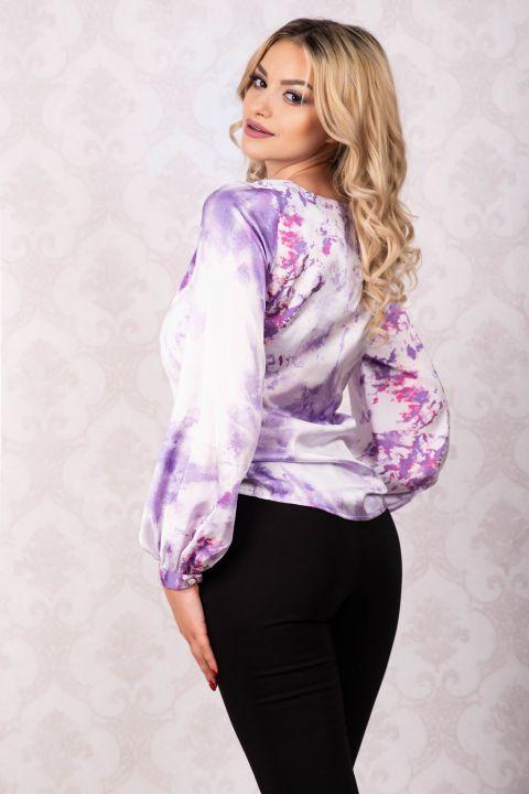 Bluza din satin cu imprimeu deosebit si maneca lunga