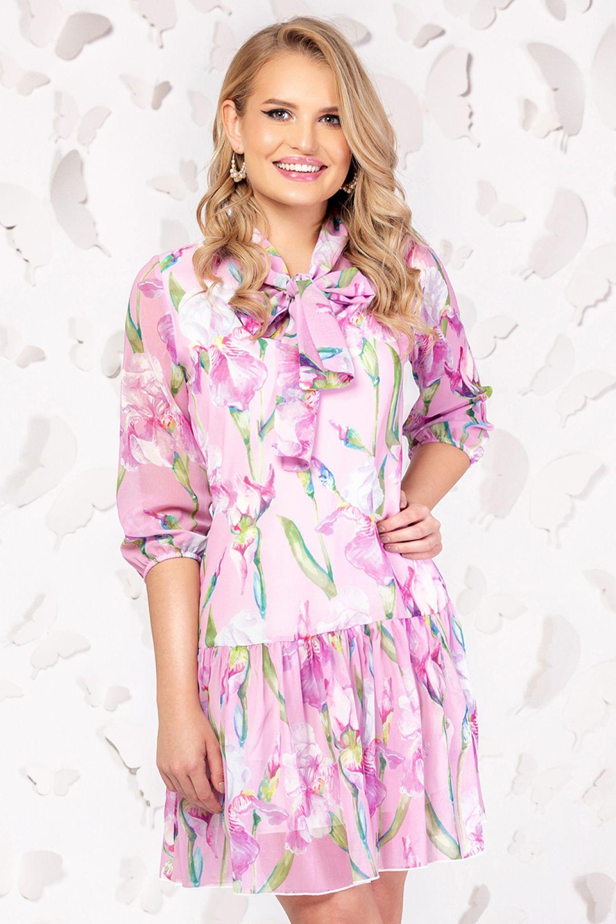 Rochie Pretty Girl roz din voal cu print floral si guler tip esarfa Pretty-Girl
