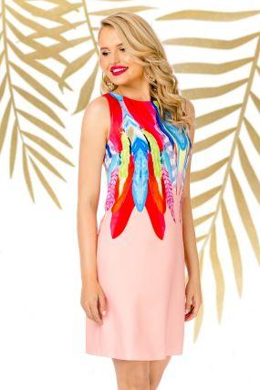 Rochie de zi Pretty Girl rose cu imprimeu pene multicolore