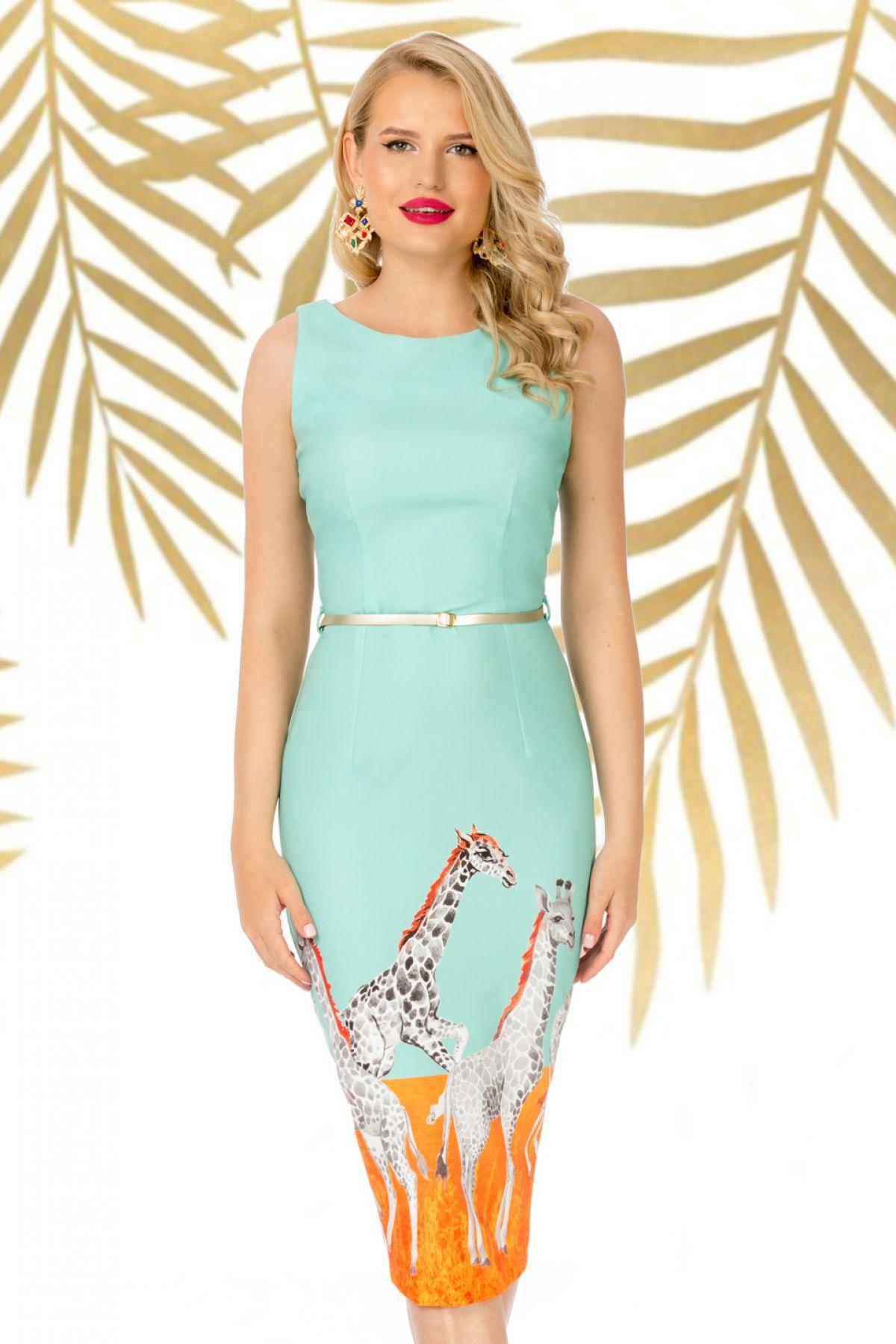 Rochie Pretty Girl mint de zi conica cu imprimeu girafa si curea in talie