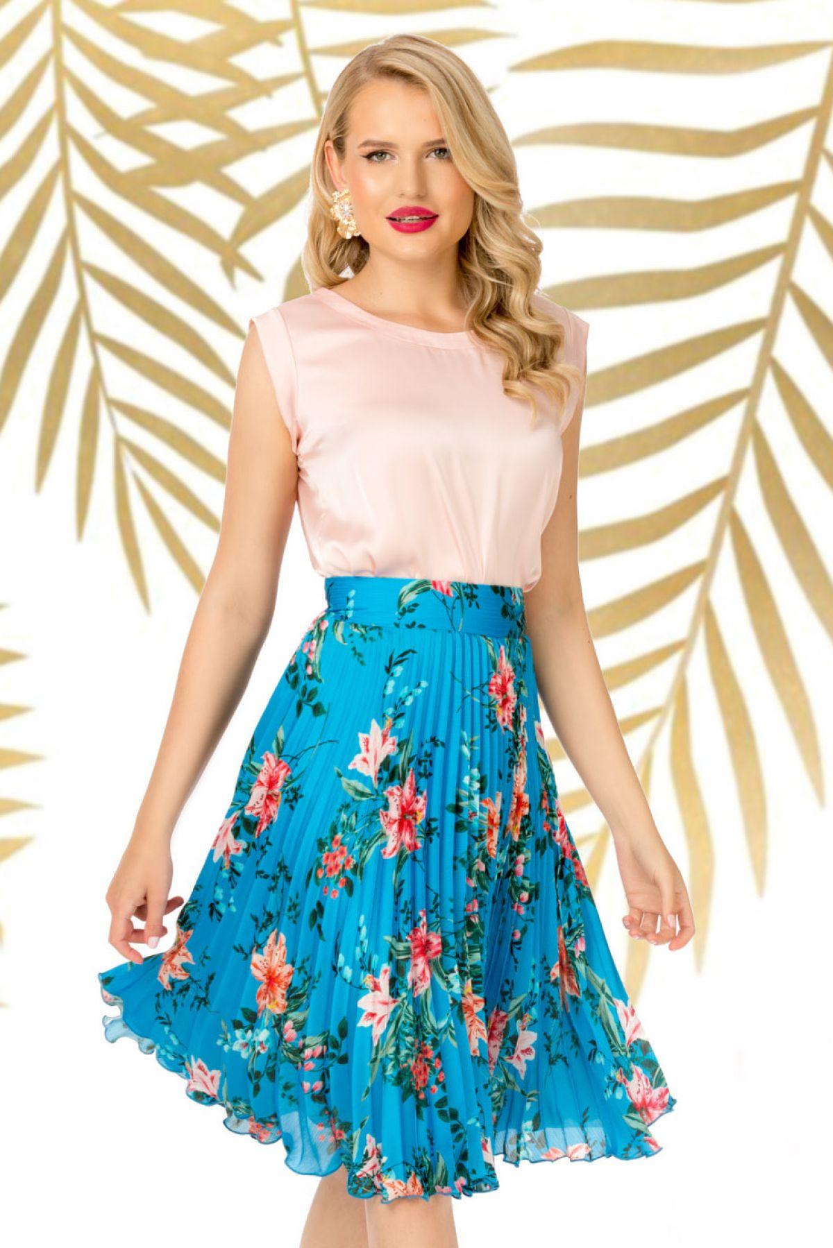 Fusta Pretty Girl plisata bleu cu imprimeu floral