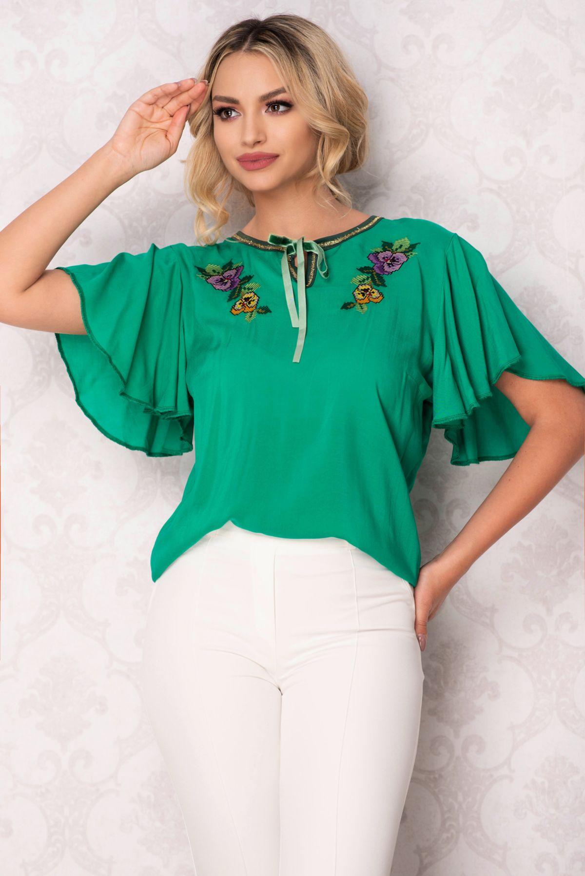 Bluza Venezia verde cu broderie florala traditionala si maneci evazate