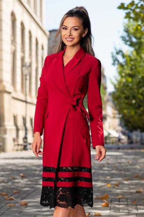 Rochie rosie de zi din stofa cu insertii de dantela neagra petrecuta midi cu revere si maneca lunga